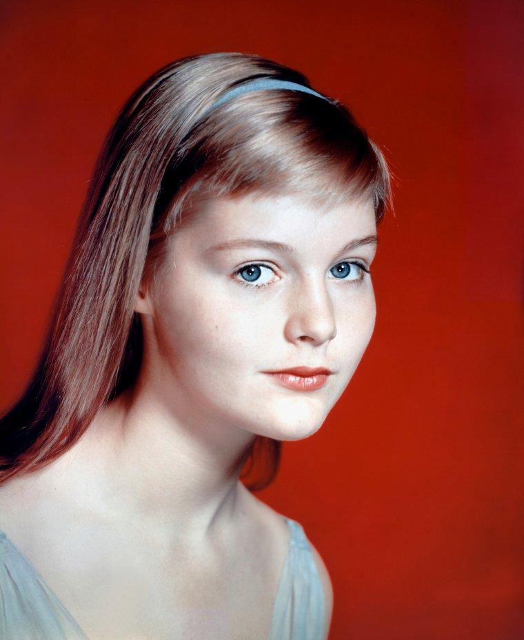 Portrait... Young Carol LYNLEY