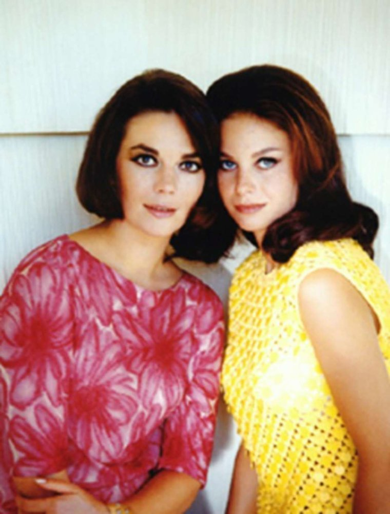 Duet... Two sisters... Lana and Natalie WOOD 60's
