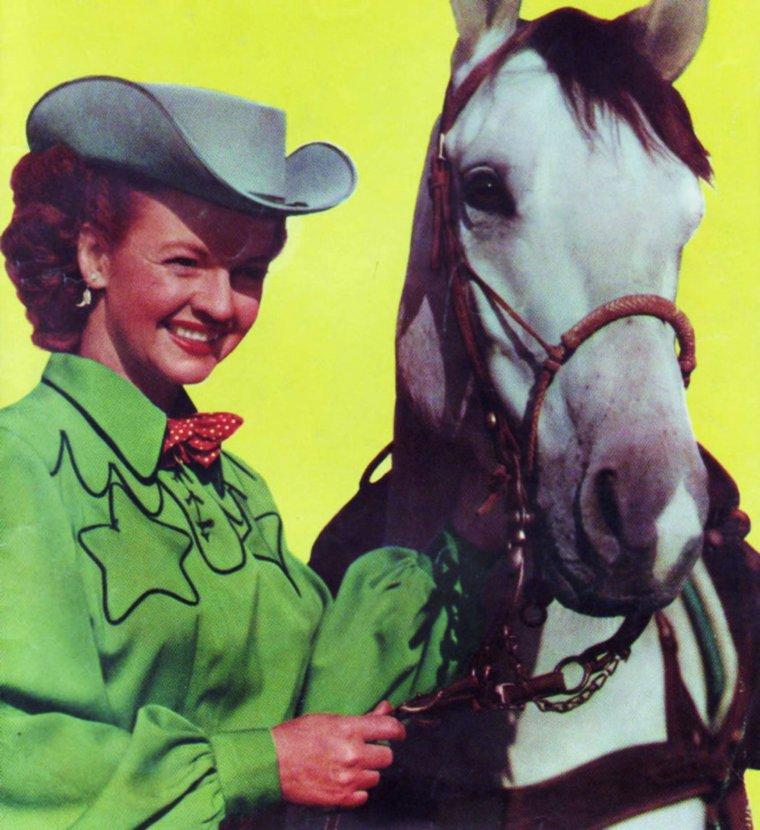 """Quand nos STARS, le temps d'un film, jouent à la """"cow-girl""""... (de haut en bas) Dale EVANS / Jeanne CRAIN / Gail DAVIS / Ava GARDNER / Marilyn / Gail RUSSELL / Mala POWERS / Jane RUSSELL"""