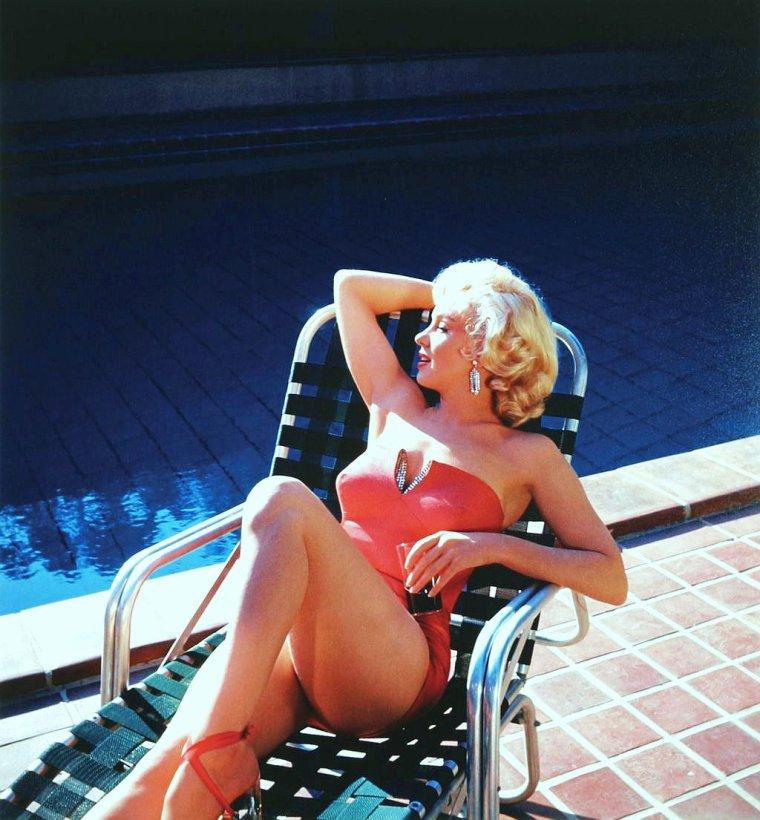 L'été s'ra chaud !... avec... Natalie WOOD / Elke SOMMER / Mitzi GAYNOR / Raquel WELCH / Marilyn / Vera ELLEN / Jayne MANSFIELD / Jean SIMMONS and her husband Stewart GRANGER