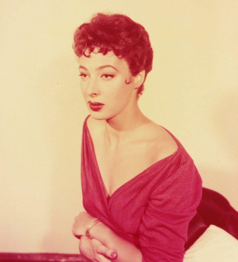 NEWS / Rita GAM est une actrice américaine, née le 2 avril 1927 à Pittsburgh (Pennsylvanie). Elle fut membre de l'Actor's Studio. Elle tourna nombre d'épisodes de séries télévisées, mais fut plus attirée par Broadway que par Hollywood...