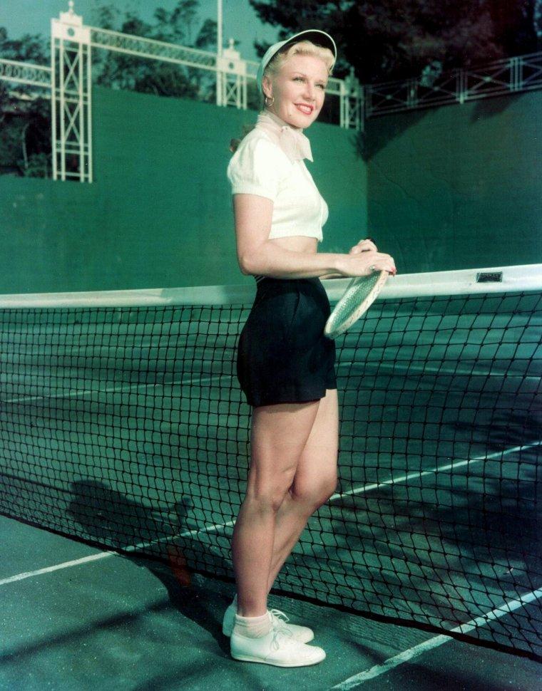 BELLE JOURNEE A TOUTES ET A TOUS !... En mode Sport... (Ginger ROGERS).