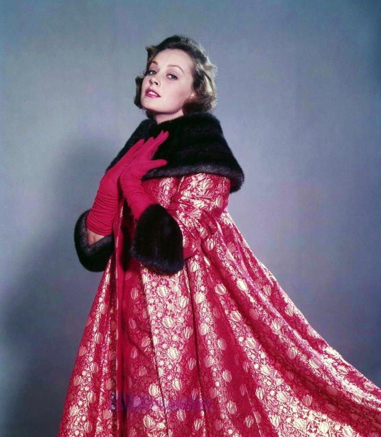 NEWS / Une nouvelle actrice vient enrichir mon blog... Jeanette-Ann-Lavina-Mary-Elizabeth ELPHICK, plus connue sous le pseudo de Victoria SHAW, est une actrice Américaine d'origine Australienne, née le 25 Mai 1935, décédée le 17 Août 1988.
