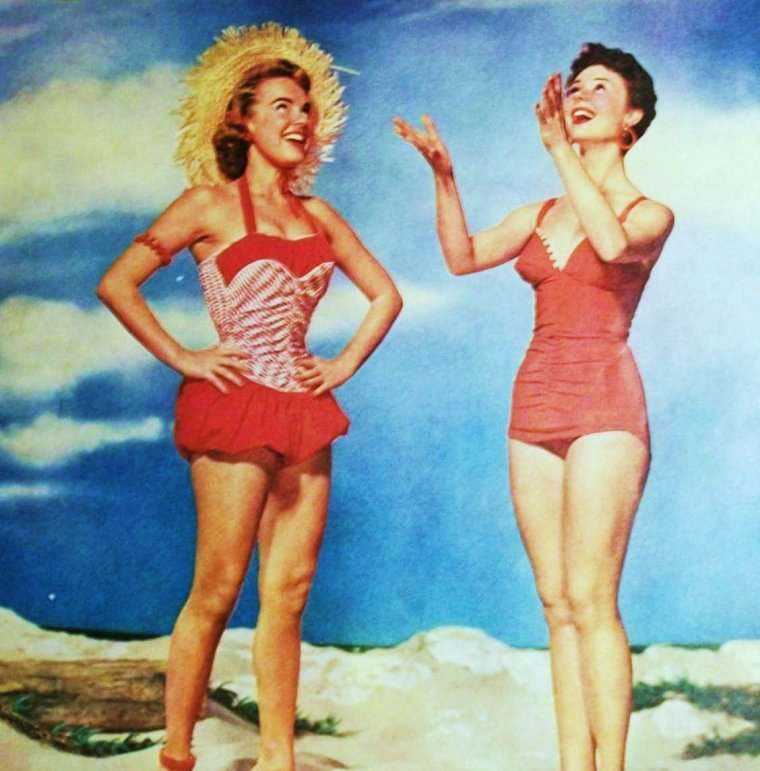 BELLE JOURNEE ENSOLEILLEE A TOUTES ET A TOUS !... (Terry MOORE and Mitzi GAYNOR).