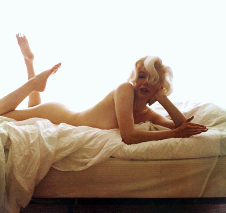 BONNE FIN DE SOIREE A TOUTES ET A TOUS !... (Marilyn by Bert STERN, 1962).