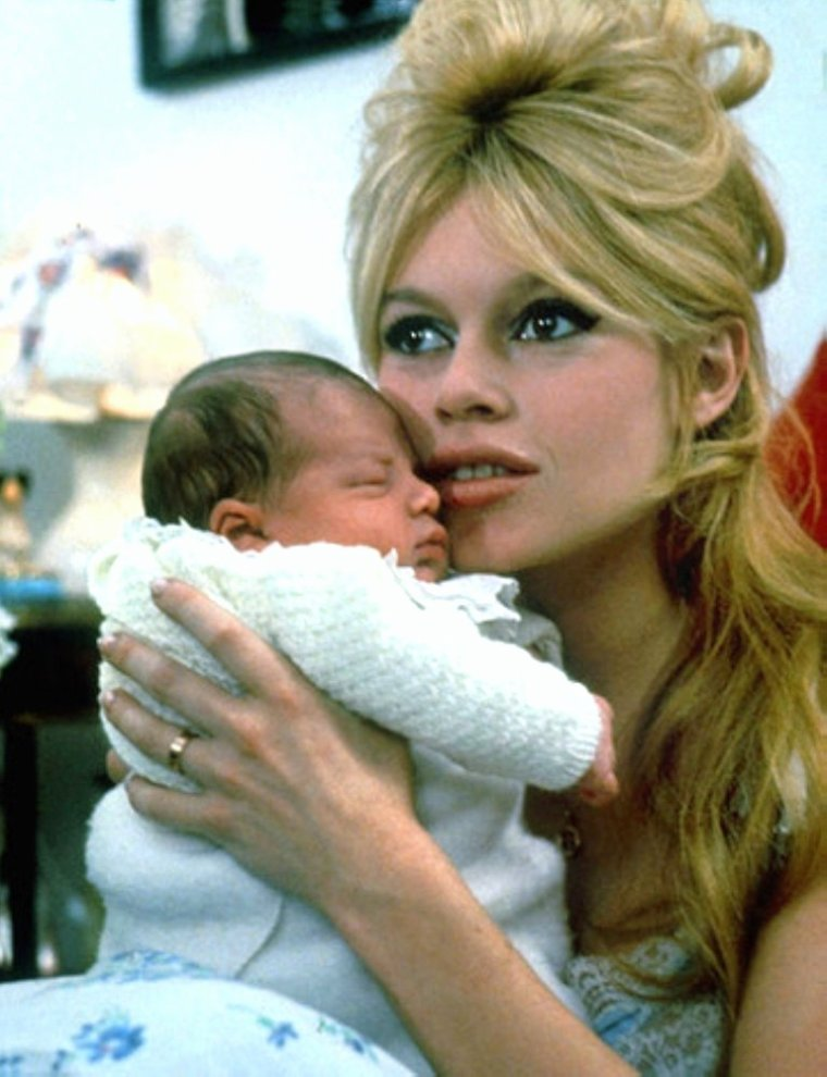 "SONDAGE perso / Et toujours la rubrique ""NOS STARS EN FAMILLE""... (de haut en bas) Mäe ENTWISLE and Dean JONES / Brigitte BARDOT / Dinah SHORE and George MONTGOMERY / Elizabeth TAYLOR / Esther WILLIAMS and Ben GAGE / Ruth SHAHEEN and Hugh DOWNS / Gina LOLLOBRIGIDA"