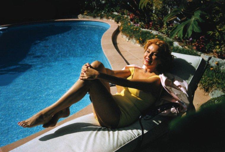 Une belle journée s'annonce... Déjà 21° ! (Rhonda FLEMING 1959).