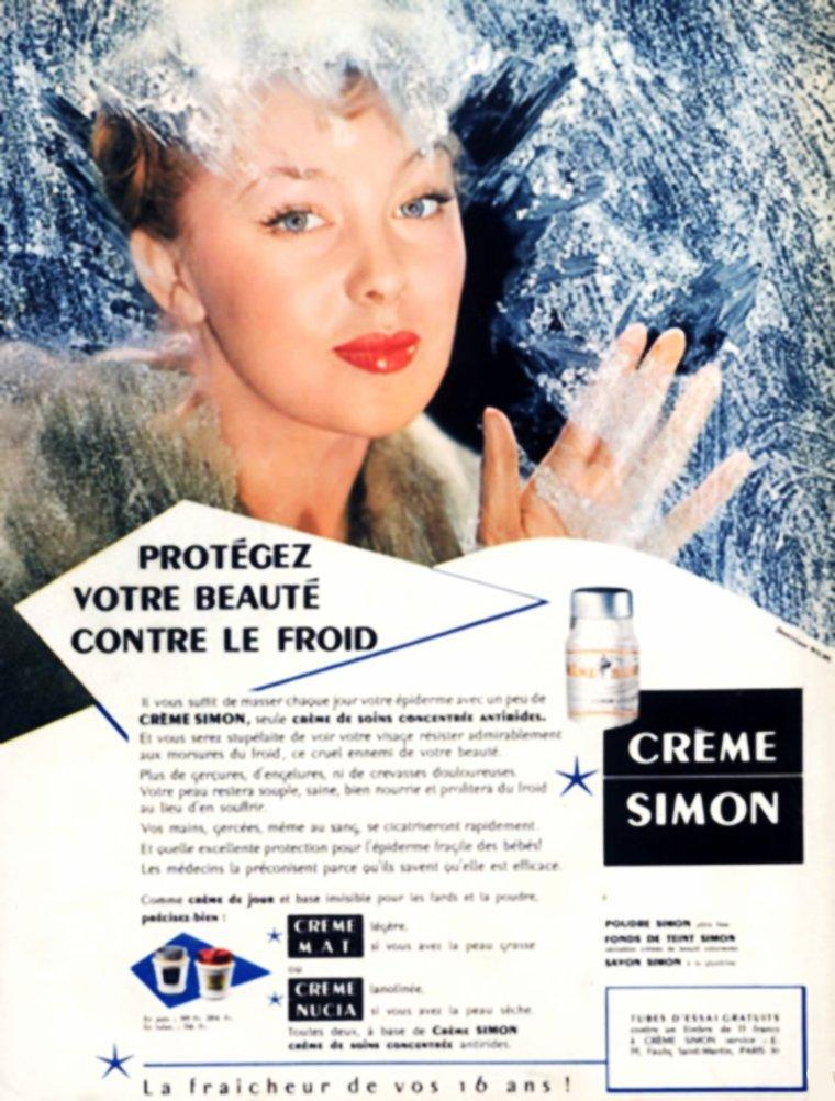 """NEWS / Dominique WILMS (de son vrai nom Claudine Maria Célina WILMES ou Claudine Dominique Wilmès) est une actrice belge, née le 8 juin 1930 à Montignies-sur-Sambre (Belgique). / MINI-BIO / Née en 1930, Dominique WILMS a suivi des études à l'école des Beaux-Arts de Paris. Par la suite, elle devient mannequin. Edmond T. GREVILLE la remarque et la recommande auprès de Bernard BORDERIE pour le rôle principal dans son prochain film, """"La Môme vert-de-gris"""", d'après le roman de Peter CHEYNEY. C'est un triomphe avec lequel elle s'impose comme la femme fatale des polars français, héritière de la Veronica LAKE des films noirs américains. Elle multiplie alors les rôles similaires, aux côtés d'acteurs connus tels que Eddie CONSTANTINE, Jean GAVEN (qui devient son mari en 1957), Armand MESTRAL ou Franck VILLARD. En 1957, sur les conseils de Françoise SAGAN, elle est choisie par Otto PREMINGER pour jouer dans """"Bonjour tristesse"""" tiré du roman du même titre. Mais cet engagement étant lié à un séjour préalable de six mois aux États-Unis pour perfectionner son anglais, Dominique WILMS décline l'invitation et c'est Mylène DEMONGEOT qui jouera finalement ce rôle, aux côtés de Jean SEBERG, Deborah KERR et David NIVEN. Dominique WILMS continue donc, malgré elle, à interpréter les héroïnes de polar avec des """"Eddie CONSTANTINE"""" occasionnels tels que """"Tony WRIGHT"""". Plus tard, le nombre de films de détective tendant à se raréfier, elle se tourne vers les films étrangers (allemands ou italiens), les séries télévisées et les téléfilms. Finalement, elle quitte le cinéma pour se consacrer à ses premières passions : la peinture et la restauration d'objets d'art. """"La Môme Vert de Gris"""" et l'interprétation de Dominique WILMS restent toutefois dans la mémoire des cinéphiles nostalgiques d'un genre révolu."""