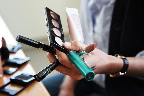# 2 - Les basiques en matière de maquillage
