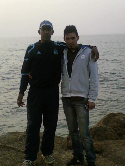 moi  avec  abdel7akk  fkhatar nass algirie mansawch nas maroc lirahom   fal9alb   tjr