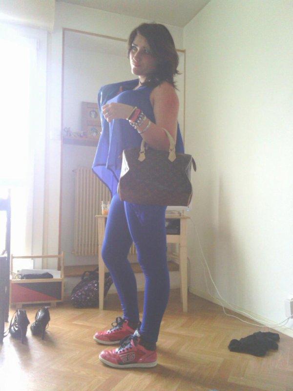 # T'attache Pas Trop Vite J'suis Que D'passage Ma'Gueul # (l)