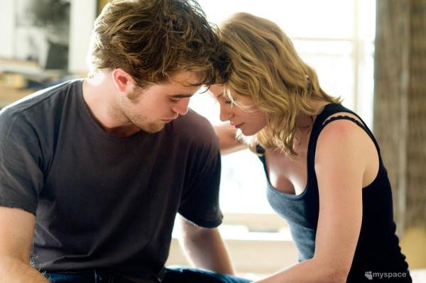 """""""Perdre quelqu'un ce n'est pas quelque chose d'anodin... Ça nous rappelle en permanence que la vie ne tient qu'à un fil."""" Vampire Diaries."""