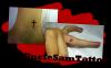 Petite croix et petite lettre