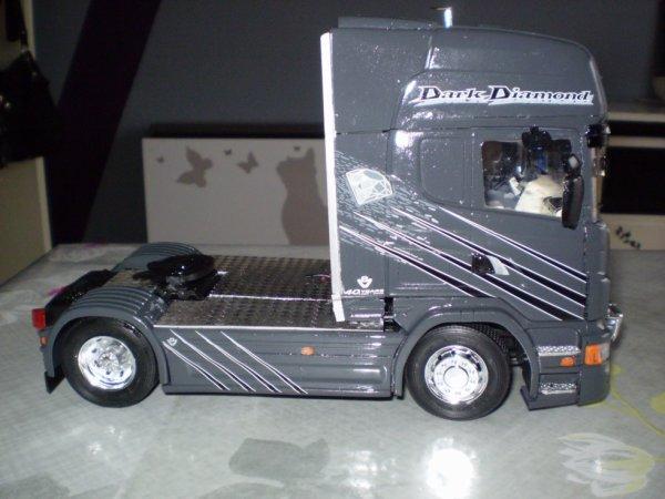 Scania R 620 DARK DIAMOND