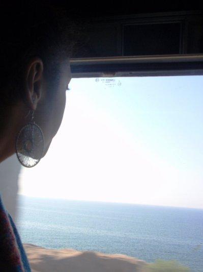El mar desde una pequeña ventana