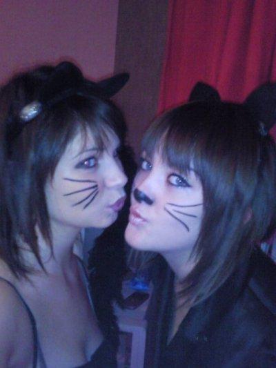moi et ma coupine a hallowen :)