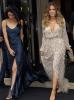 23.05 - Khloé Kardashian & Kendall Jenner se rendent à Versailles