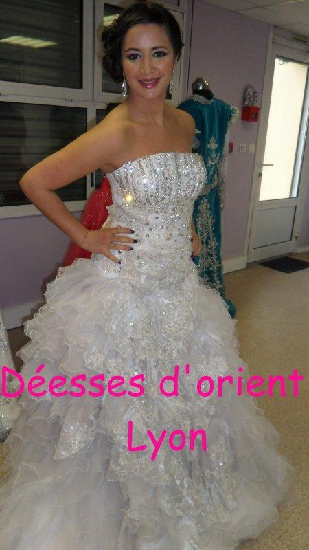 Location robe haute couture blanche strass