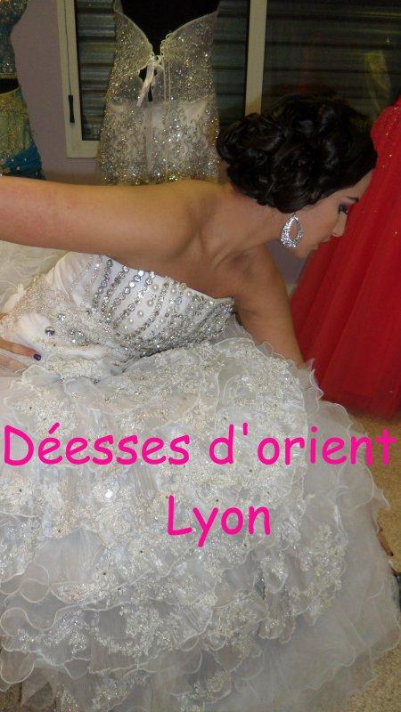 Location robe haute couture blanche strass coiffure et make up by Déesses d'orient
