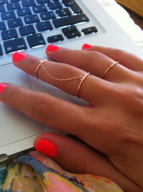 [ONGLES Nº1]  Vous avez les ongles abîmés, qui se cassent facilement, ou bien qui sont mou et se dédoublent? Cette astuce est donc faîtes pour vous!