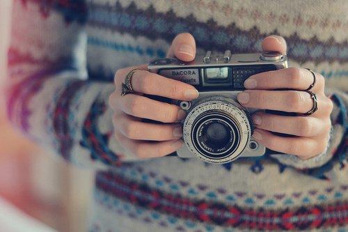 """""""Ce que la photographie reproduit à l'infinit se passe qu'une seule fois"""""""