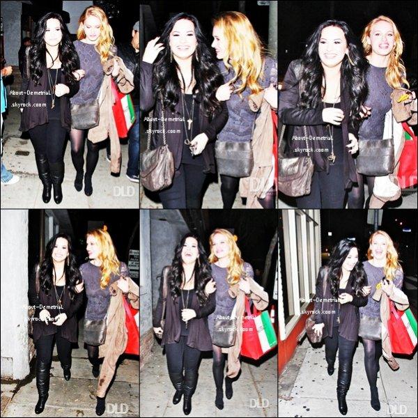 04.03.11:  . Demi & Leven Rambin ont quitté le restaurant « Dan Tana's »..