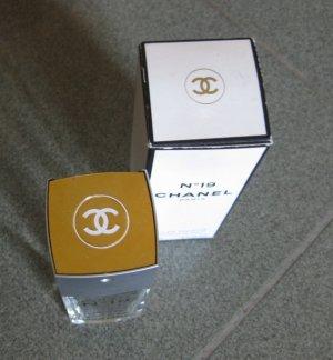 Ancien vaporisateur N°19 de Chanel
