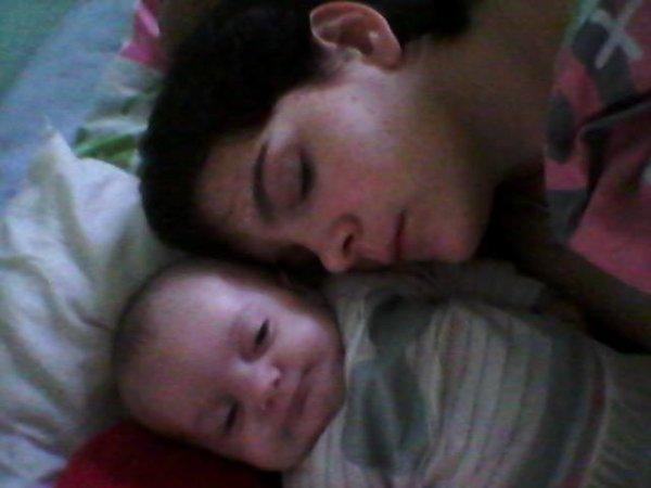 mon bébé est né mayliss jé t aime
