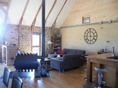 UN PEU DE DECO...Notre hotte cuisine installée; Une grande horloge ...