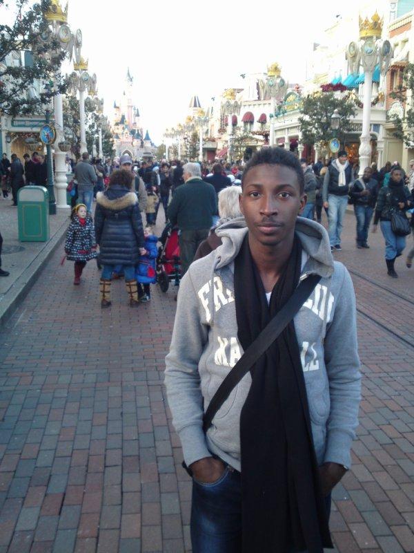 a Disneyland Paris :)