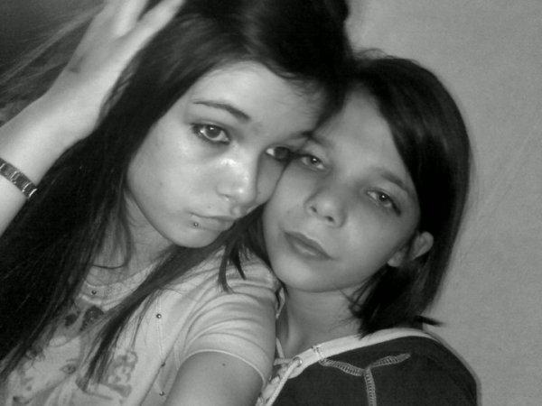 mes deux filles Manon et Tatiana