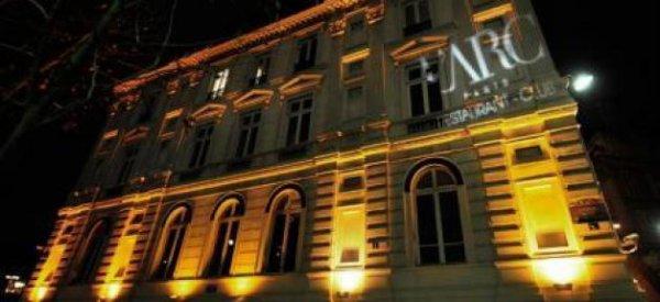 """Feu : La boîte de nuit """"L'Arc"""" détruite par un incendie à Paris cette nuit"""