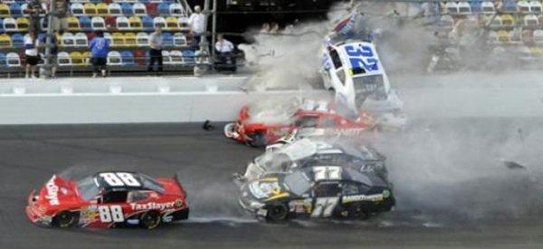 Crash : terrible accident, cette nuit, au NASCAR de Daytona: 28 blessés parmi les spectateurs