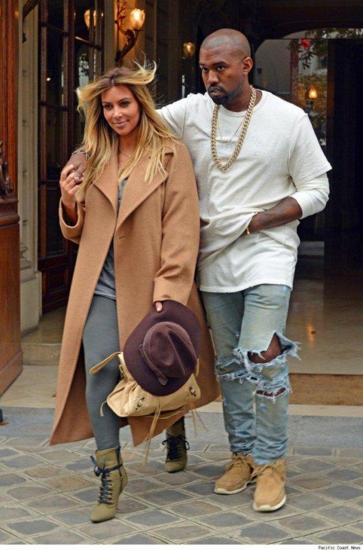 KK -  Kim Kardashian violemment insultée en pleine rue, son fiancée Kanye West la défend et frappe son agresseur