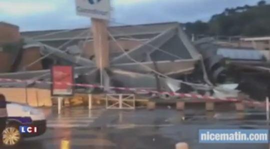Un toit de supermarché s'effondre à Nice - des blessés et des disparus