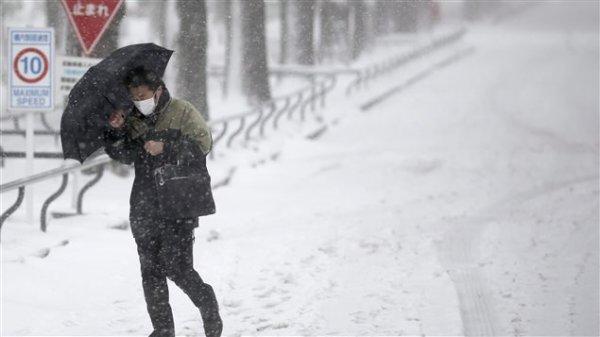 Tempête de neige au Japon : 11 morts, 1250 blessés