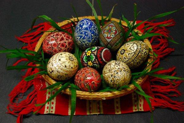 Joyeuses Pâques à tous les chretiens orthodoxes!