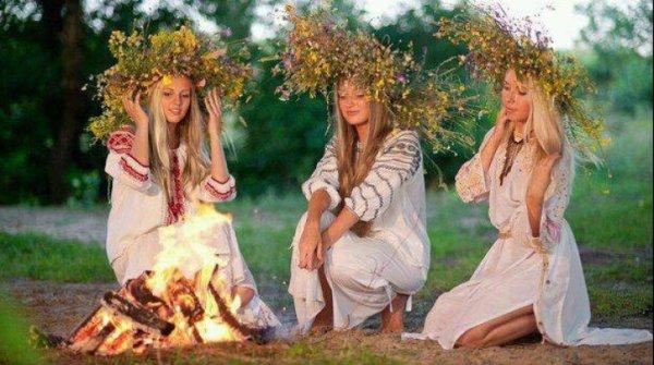 Le 24 juin les Roumains fêtent la Saint-Jean d'été! Sânzâienele1