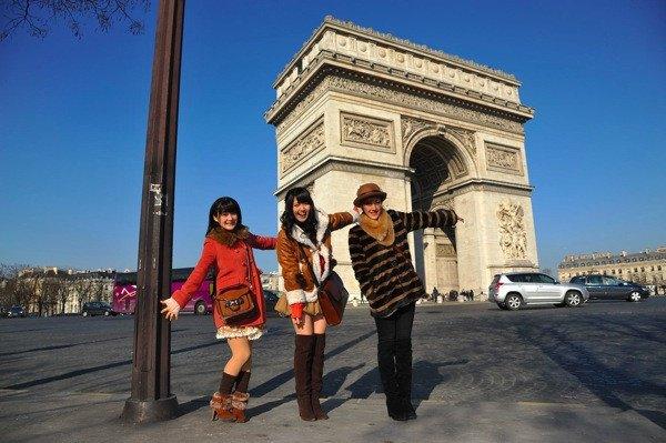 LES BUONO ETAIENT A PARIS