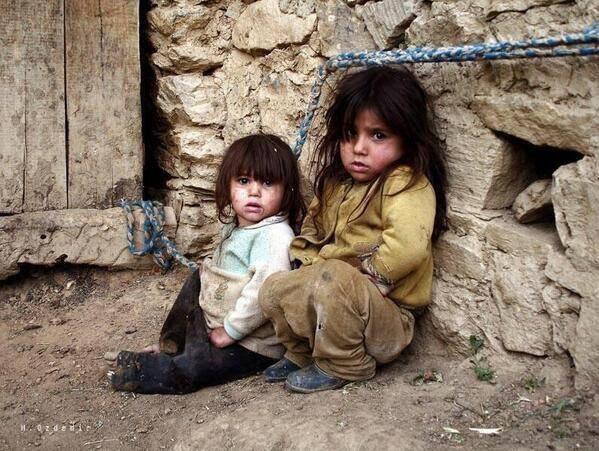 حاول الجلوس في الاحياء الفقيرة قليلاً فأحلامهم تجعلك في قمة التواضع .. لأن أقصى مايحلمـون به هو العيش كما تعيش أنت !