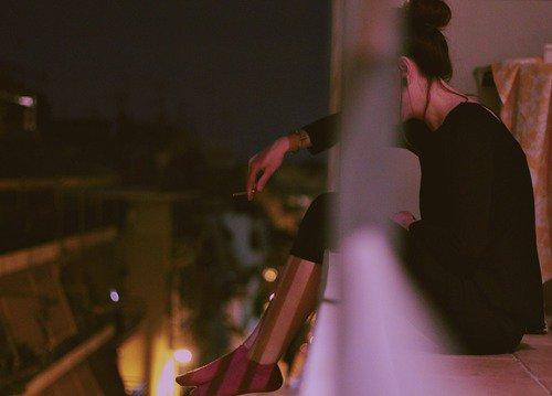« À la fin de la journée, ce que nous voulons vraiment, c'est être aux côtés de quelqu'un. Tout ce rituel, prendre de la distance, et faire semblant de ne pas se préoccuper des autres, c'est des conneries. » - Grey's Anatomy