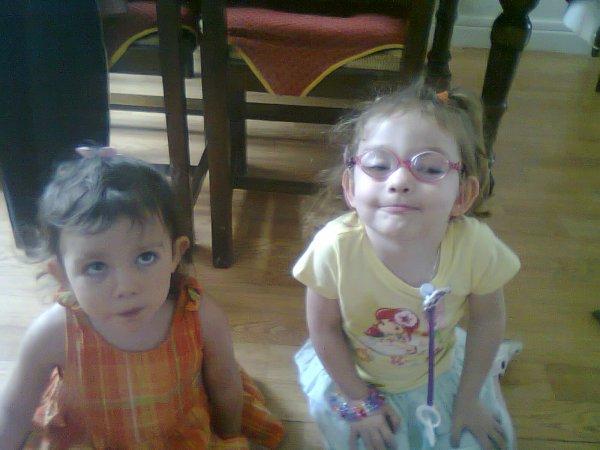 Mya et Célhéna à Aurillac (l) (l) (l)
