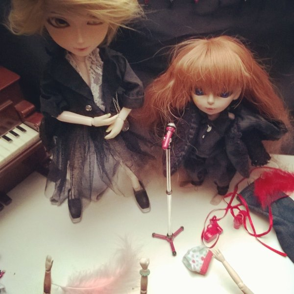 Photoshoot: Nouvelle Dollhouse!