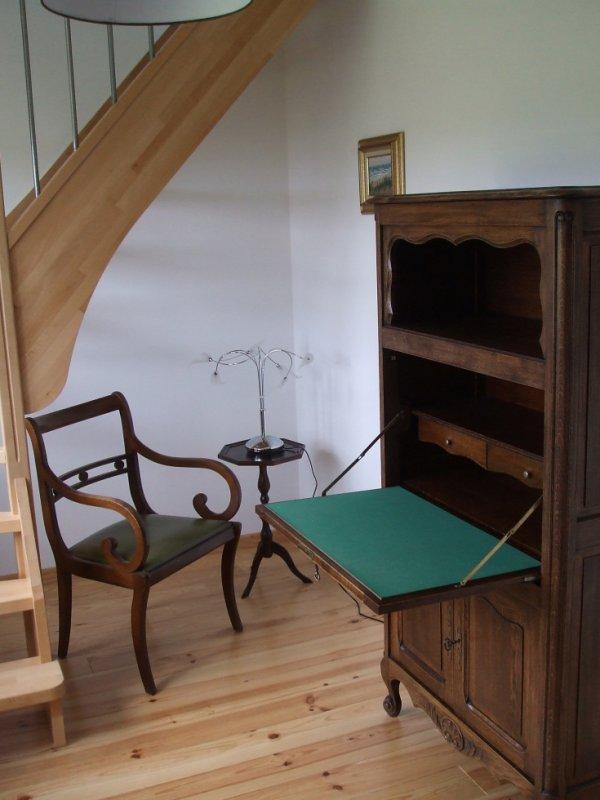 Le petit salon de lecture du gîte 2