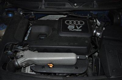 mon moteur un petit V5 turbo 4 cylindre en ligne