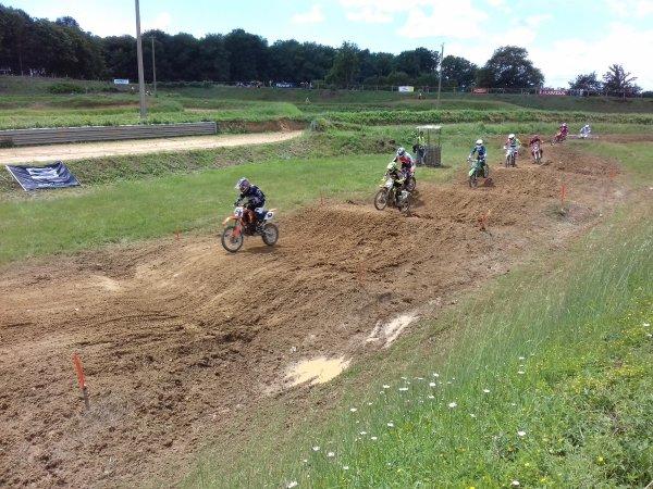 course mobcross sur le terrain de moto-cross d'andrezé .le 10juin 2018
