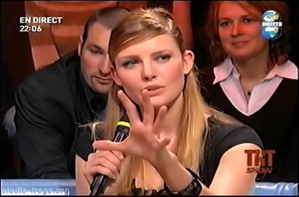 """ELODIE FRÉGÉ INVITÉE SUR LE PLATEAU DE """" CARTE BLANCHE """" SUR LA TNT SHOW ( 4 )"""