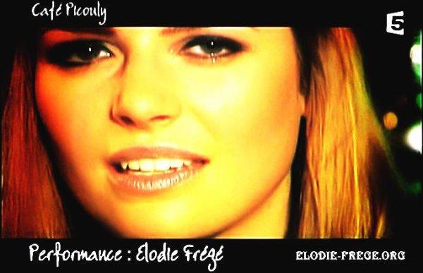 ELODIE DANS LE CAFÉ PICOULY POUR FRANCE 5 , LE 19 JANVIER 2007 ( 2 )