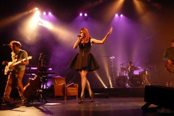 Samedi 4 Oct 2014 -Elodie en concert à Bois-d'Arcy - Yvelines (78) - Salle de spectacle La Grange De La Tremblaye ( 1 )