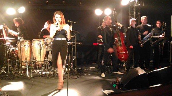 nouvelles vagues sur la scène du Jazz Club Etoile avec elodie frege pour Paris covery et l'inauguration de l'hôtel méridien a paris le 22 septembre 2016 ( 1 )
